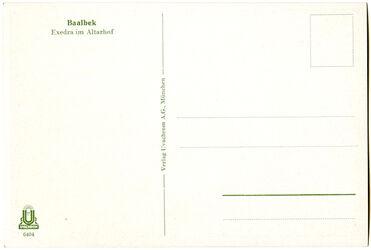 GDIs01922; Postkarte; Baalbek. Exedra im Altarhof, Schuber [GDIs01896] mit 44 Farbdruck-Postkarten [GDIs01898-1941] und einer Syrienkarte [GDIs01897]