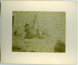 Fotografie Buttern elkerak [Al-Karak]. Churning