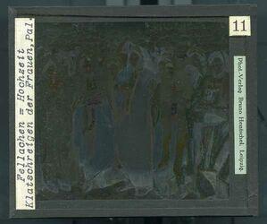 GDId00251; Glasplattendia; Fellachen - Hochzeit. Klatschreigen der Fauen, Pal. [Ramallah], Diakiste (GDId00265) mit 24 Glasplatten-Farbdiapositiven (GDId00241-00264)