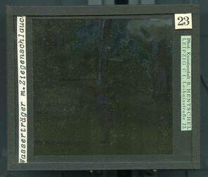 GDId00262; Glasplattendia; Wasserträger m. Ziegenschlauch, Diakiste (GDId00265) mit 24 Glasplatten-Farbdiapositiven (GDId00241-00264)