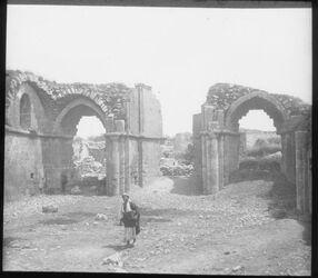 Glasplattendia Kirche in el-bire