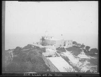 Glasplattendia Karmelspitze beim Kloster Blick hinaus auf das Meer