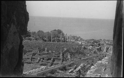 Glasplattendia Byblos, Ruinen aus altägyptischer Zeit