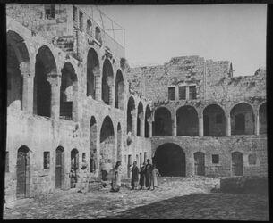Glasplattendia Clan in nablus