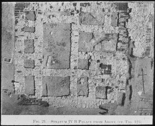 Glasplattendia Tell el-mutesellim [Megiddo], Luftbild d. Palastes, Stratum IV B