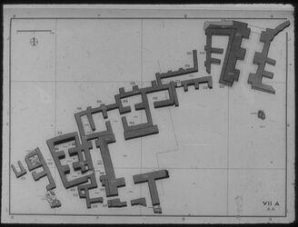 Glasplattendia Tell el-mutesellim [Megiddo], Stadttor und Palast d. kanaan. Königs um 1200, Schicht VII A