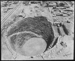 Glasplattendia Tell el-mutesellim [Megiddo], Vorratsgrube, Stratum III