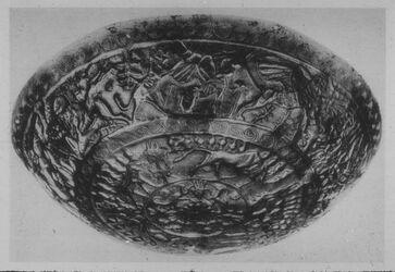 Glasplattendia Paris, Louvre, Goldene Schale aus Ras Schamra [Ras esch-schamra], 14. Jhd.