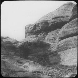 Glasplattendia el medras, Heiligtum [Petra]