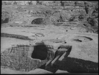 G XVIII 19; Glasplattendia; Spendeschale zebb 'atuf [Petra]