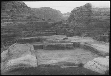 Glasplattendia Triclinium Nr. 379 [Petra]