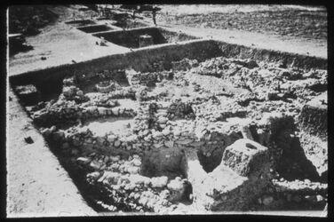 Glasplattendia Tell el-kedah, Areal C, Reste der letzten kann. Stadt,13. Jhd.