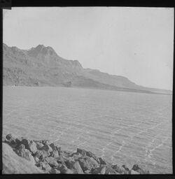 Glasplattendia En Dschidi [En-Gedi] von S. - Totes Meer m. Schaumstreifen