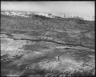 Glasplattendia Südl. Jordantal v. w. [wadi] el-mettaha bis w. [wadi] kelt, vorn l. Jericho