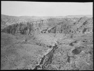 Glasplattendia Ostwand v. Wadi Musa [Umgebung Petra]