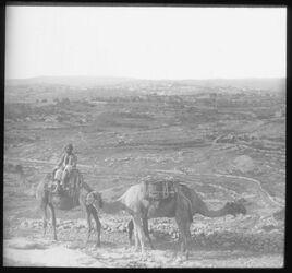 C III 2; Glasplattendia; Bethlehem vom Weg nach Bethlehem