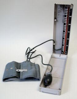 """Blutdruckmessgerät """"EKOMANO MULTIPLEX"""""""